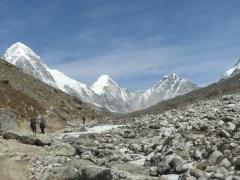 Towards Lobuche