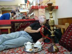 Teheran, smoking qalyum in a Tea room